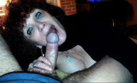 big-breasted-mature-lady-fingers-her-cunt-and-blows-a-dick