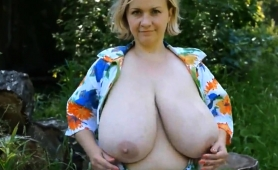 voluptuous-amateur-ladies-show-off-their-big-natural-boobs