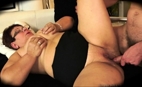 fat-amateur-granny-with-glasses-hangs-on-for-a-deep-pounding