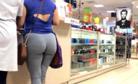 Amateur Voyeur Chases A Sexy Babe With A Magnificent Ass
