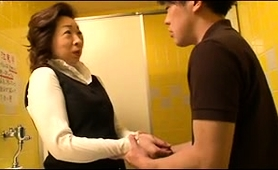 mature-asian-mom-gets-fucked-and-creampied-by-a-young-stud